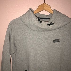 Nike Jackets & Coats - Gray Nike sweatshirt